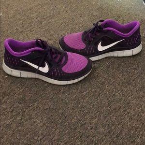 Nike sneakers 7.5